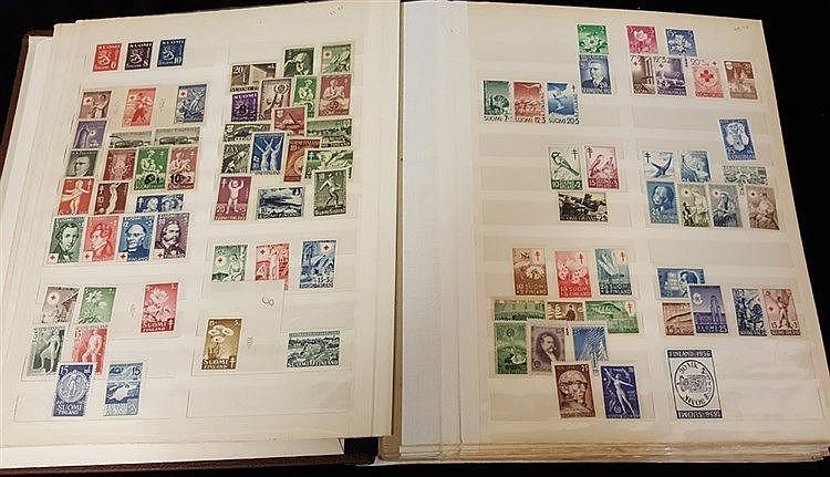 FINLAND & ALAND ISLANDS 1875-1988 M collection in Briefmarken spr