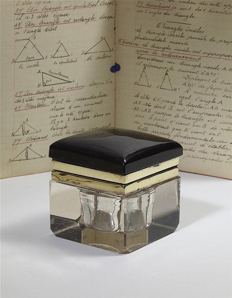 Encrier autrichien en cristal moulé et cristal noir opalisant de styl