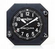 BREITLING - Horloge murale Breitling cadran noir avec chiffres arabes