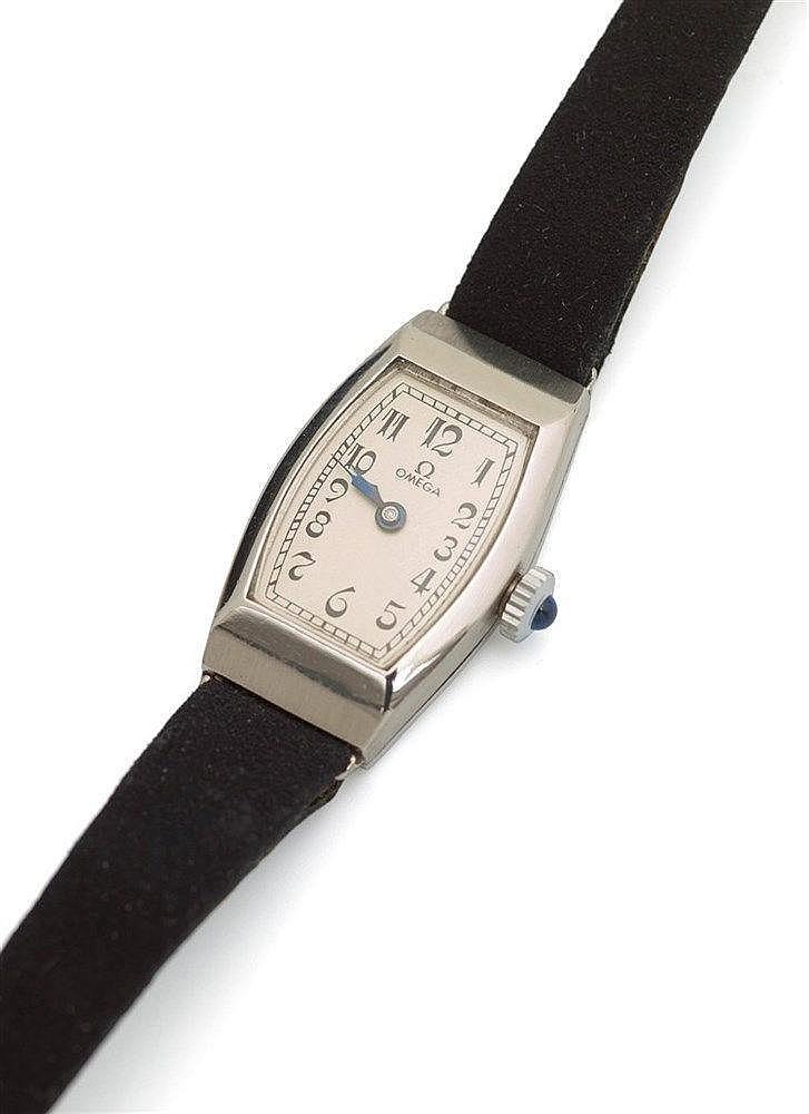 OMEGA - MONTRE DE DAME en acier, Ebauche Tissot de 1928, calibre 14.8