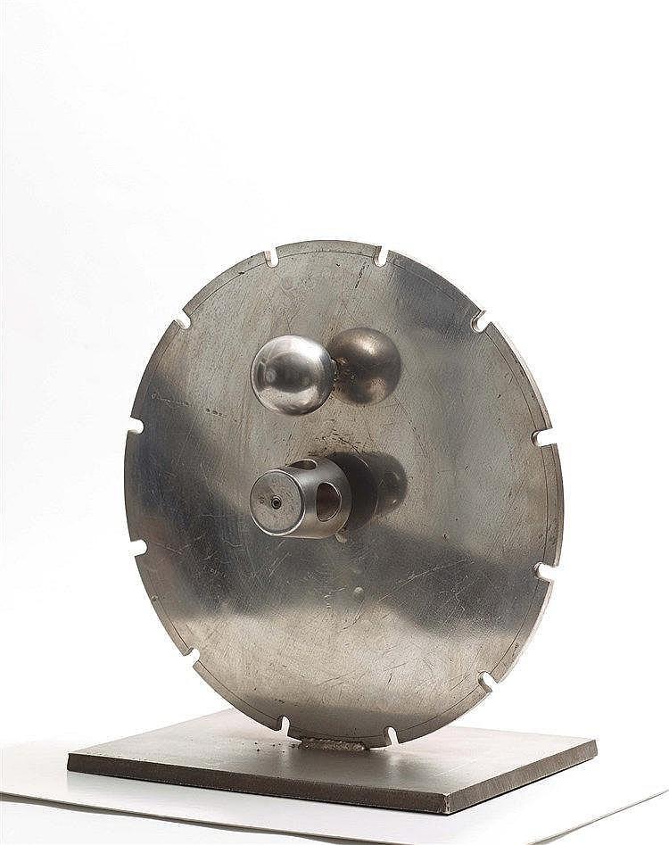 CLAUDE VISEUX (1927-2008) SANS TITRE Métal et bois mélaminé Signé et numéro