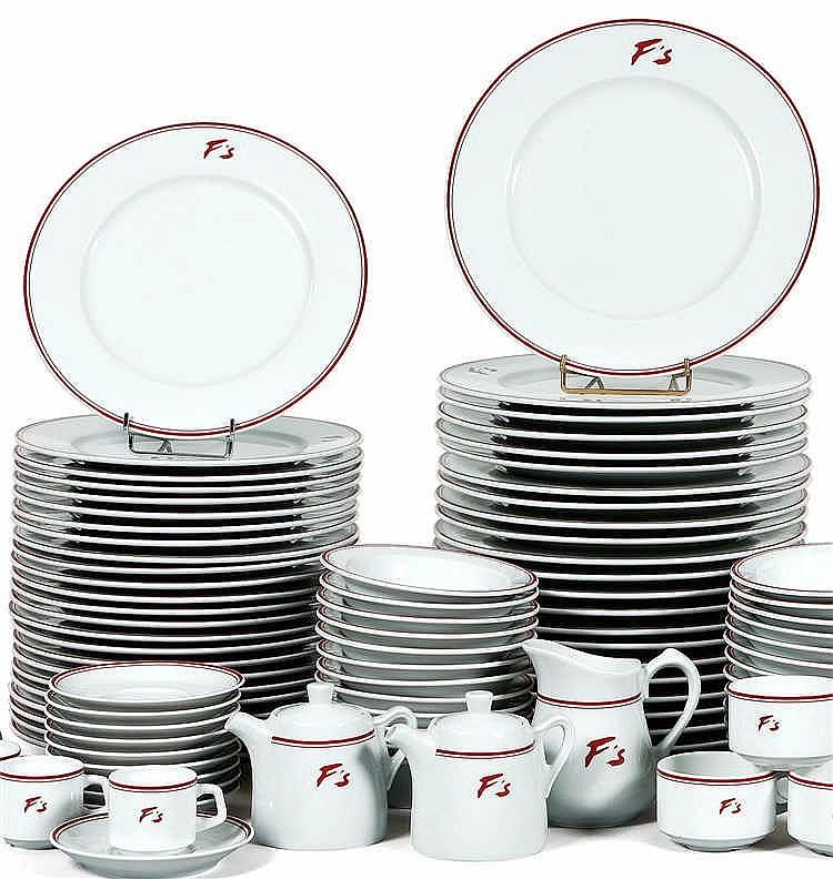 partie de service de table en porcelaine blanche filet rou. Black Bedroom Furniture Sets. Home Design Ideas