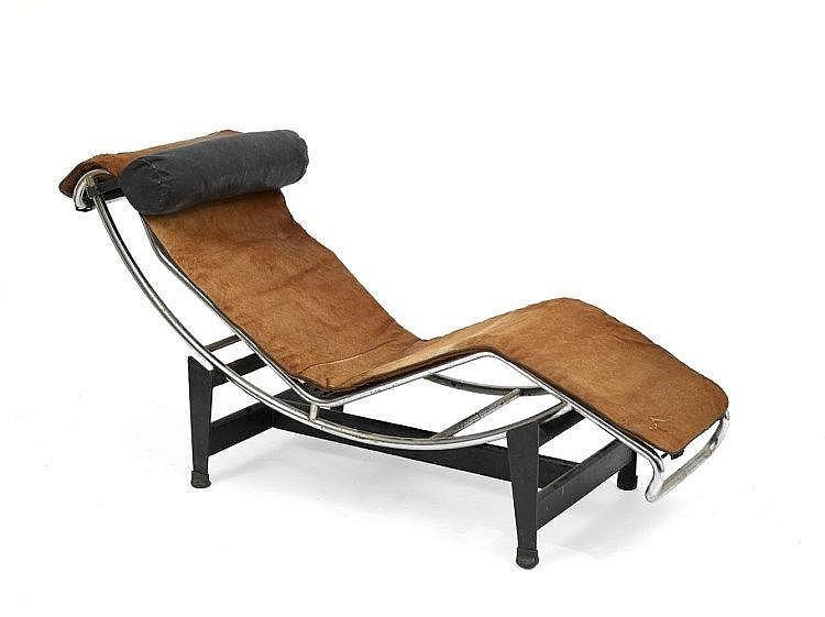 Le corbusier 1887 1965 chaise longue lc4 for Chaise longue le corbusier vache