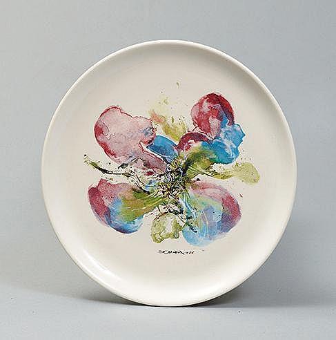 ZAO WOU KI (1921-2013) ASSIETTE ORCHIDEES, 1986 Faïence Signée et daté