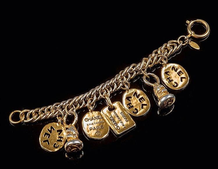 CHANEL COLLECTION PRET-A-PORTER PRINTEMPS/ETE 1988 Bracelet chaîne en m