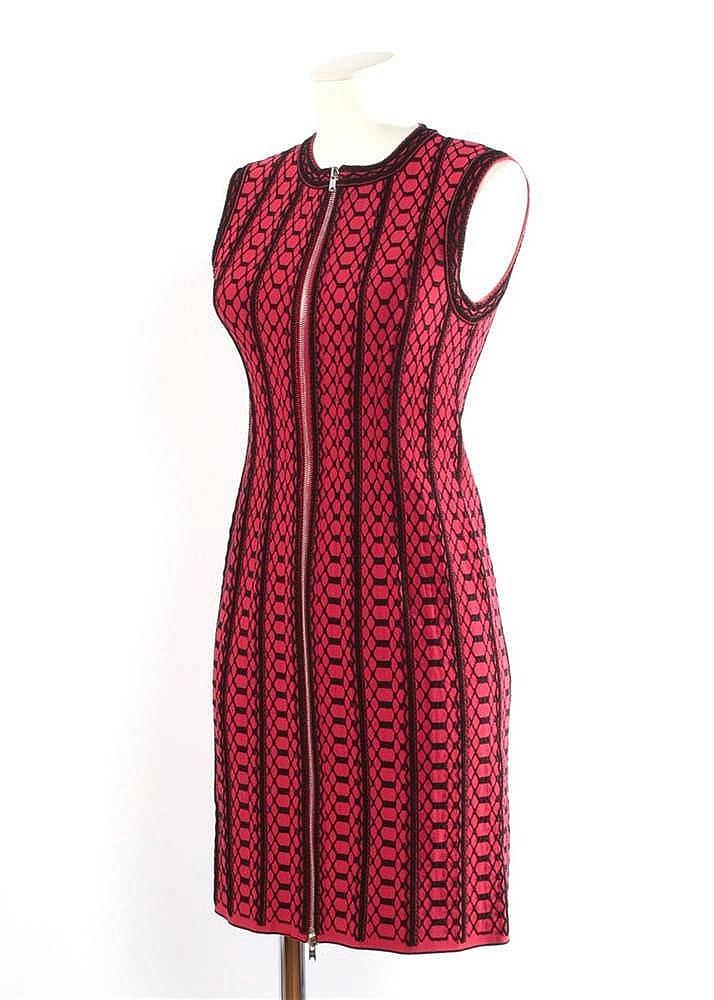 alaia robe trois trous en maille framboise recouverte de gui With robe trois trous