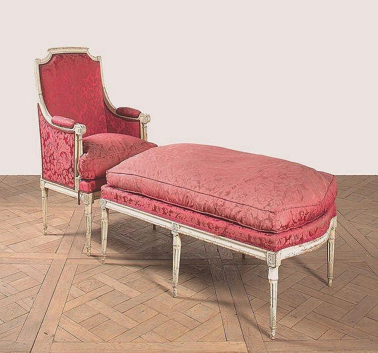 Chaise longue en deux parties compos e d une berg re dossi for Chaise longue deux personnes