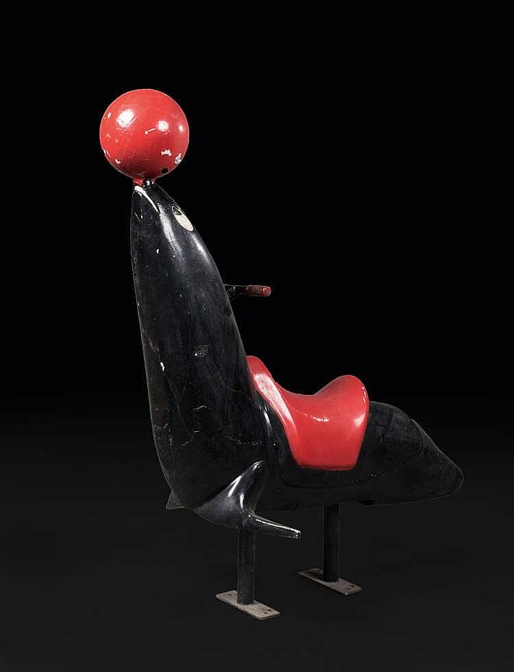 ANONYME Otarie au ballon rouge, sujet de manège