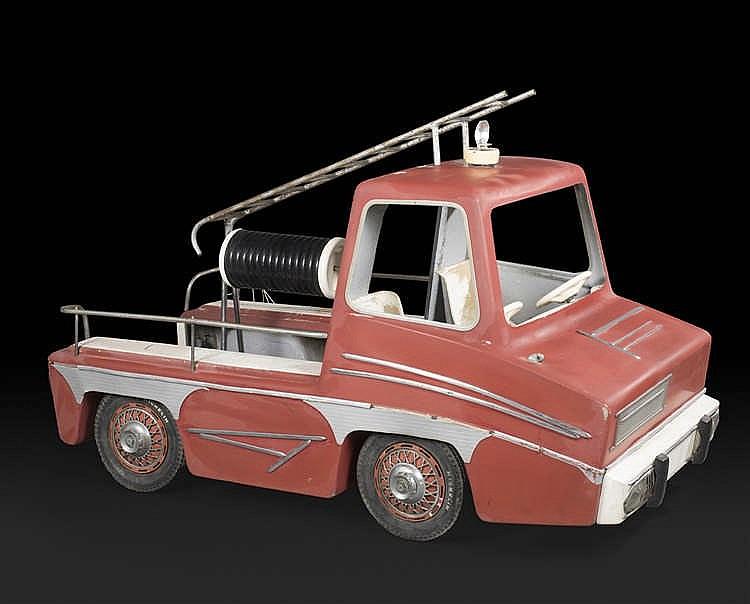 Anonyme Camion de Pompier, huit places, Sujet de manège