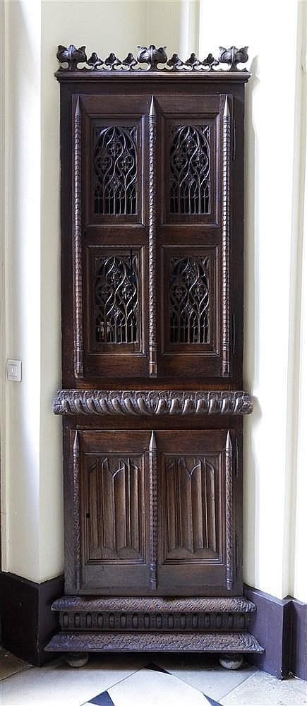 Encoignure haute en bois naturel richement sculpt d arcatur - Armoire bois naturel ...