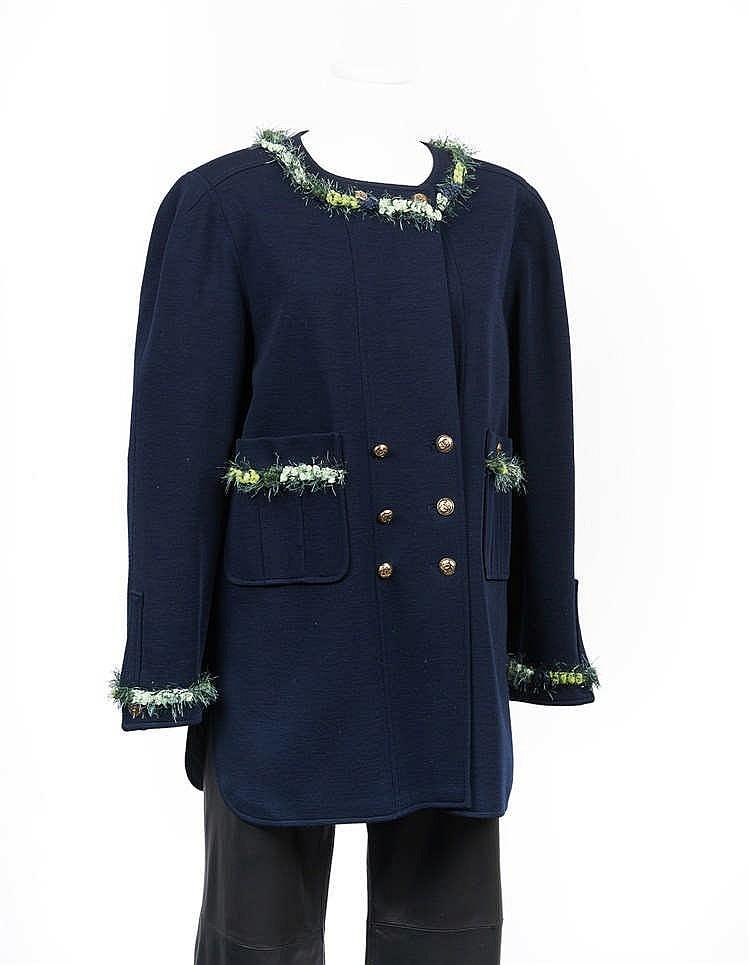 chanel boutique veste longue en jersey de laine marine enco. Black Bedroom Furniture Sets. Home Design Ideas