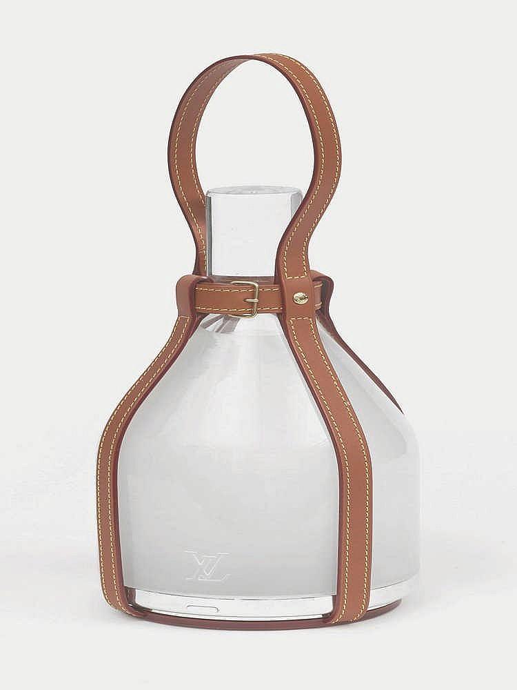 edward barber et jay osgerby lampe baladeuse bell. Black Bedroom Furniture Sets. Home Design Ideas
