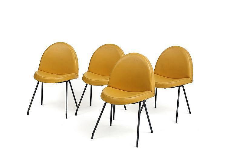 Joseph andr motte 1925 2013 suite de quatre chaises lang for Quatre pieds quatre chaises