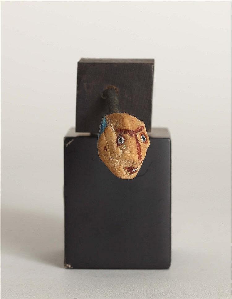 GEORGES HUGNET (1906-1974) TETE Gouache sur caillou monté sur bois pei
