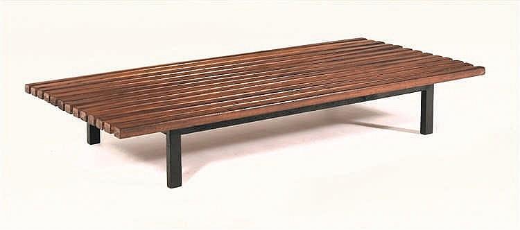 charlotte perriand 1903 1999 banquette acajou et m tal laq. Black Bedroom Furniture Sets. Home Design Ideas
