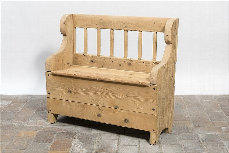 banc faisant coffre en pin naturel dossier ajour trava. Black Bedroom Furniture Sets. Home Design Ideas