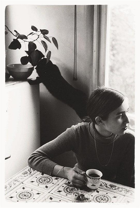Yves Auquier (Né en 1934)   La vie de Famille. Circa 1975