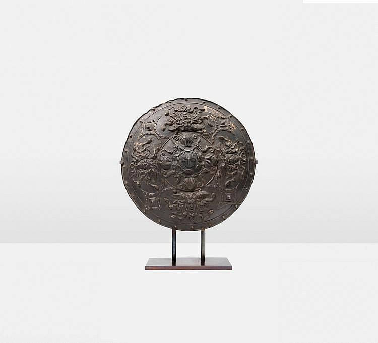 Bouclier En Terre Cuite Patin E Bronze D Cor De