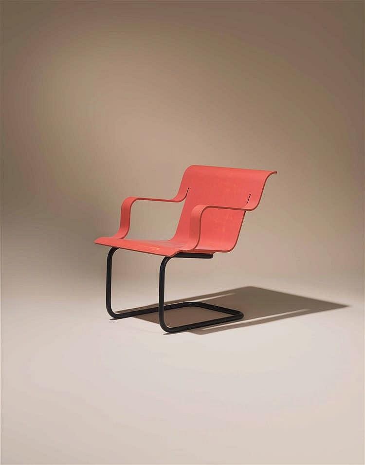 alvar aalto 1898 1976 fauteuil tube d acier et bois laqu. Black Bedroom Furniture Sets. Home Design Ideas