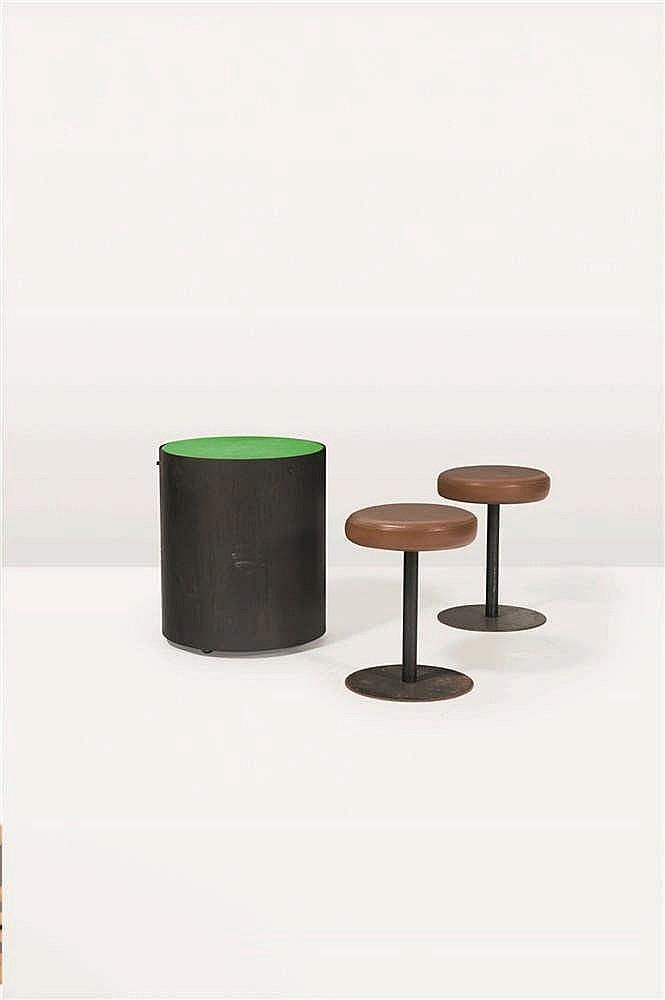 CHRISTOPHE GEVERS (1928-2007) Table basse cylindrique Tôle d'acier cintré e