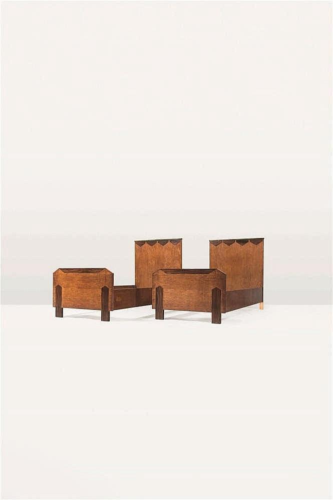 KAREL MAES (1900-1974) Deux lits Marqueterie de palissandre et bois teinté
