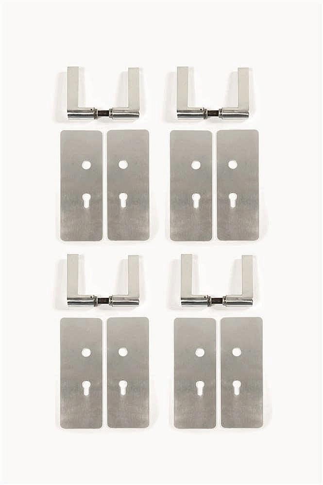 Lucien Engels   (né en 1928) Suite de quatre paires de poignées de porte Re