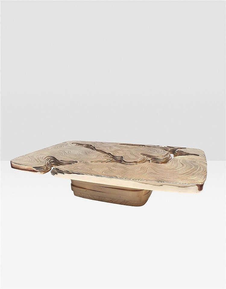 MAISON ARMAND JONCKERS    Hypsométrique Table basse Bronze Signée, datée et