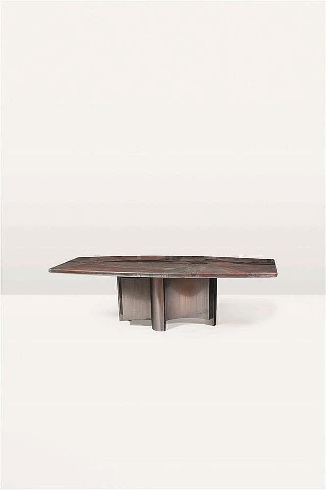 ARMAND JONCKERS (né en 1939) Pièce unique Table de salle à manger Cuir repo