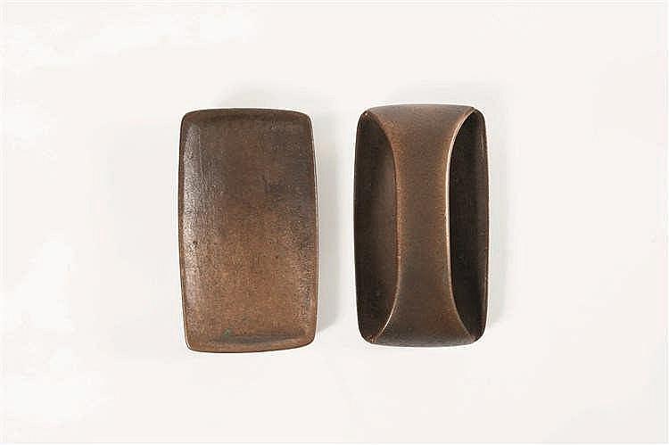 Jules Wabbes (1919-1974) Poignée de portes et sa contre poignée Bronze brut