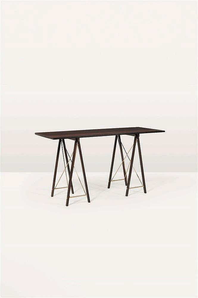 Jules Wabbes (1919-1974) Table-console à tréteaux Plateau en lattes de weng