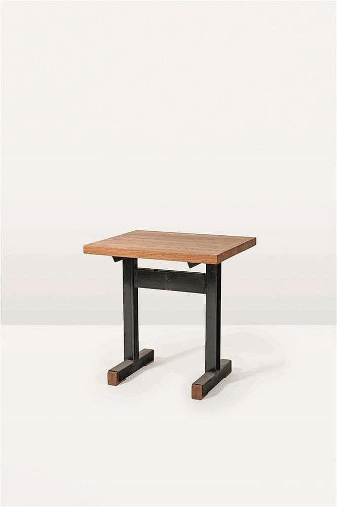 CHRISTOPHE GEVERS (1928-2007)  Table Bois et tôle d'acier pliée. Tafel Hout