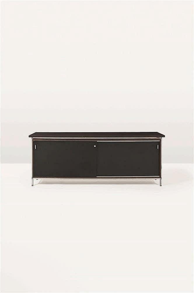 Jules Wabbes (1919-1974)   DG190 Dressoir à deux portes coulissantes Platea