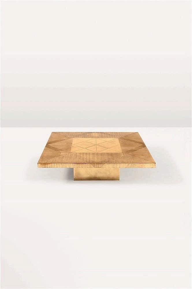 ARMAND JONCKERS (né en 1939) Pièce unique Table basse Laiton gravé. Signée.