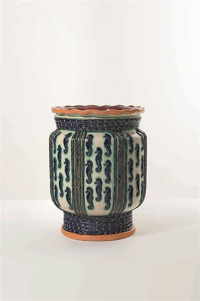 Ernest D'Hoosche (1912-1976) Grand vase aux hypocampes Céramique. Signé E.