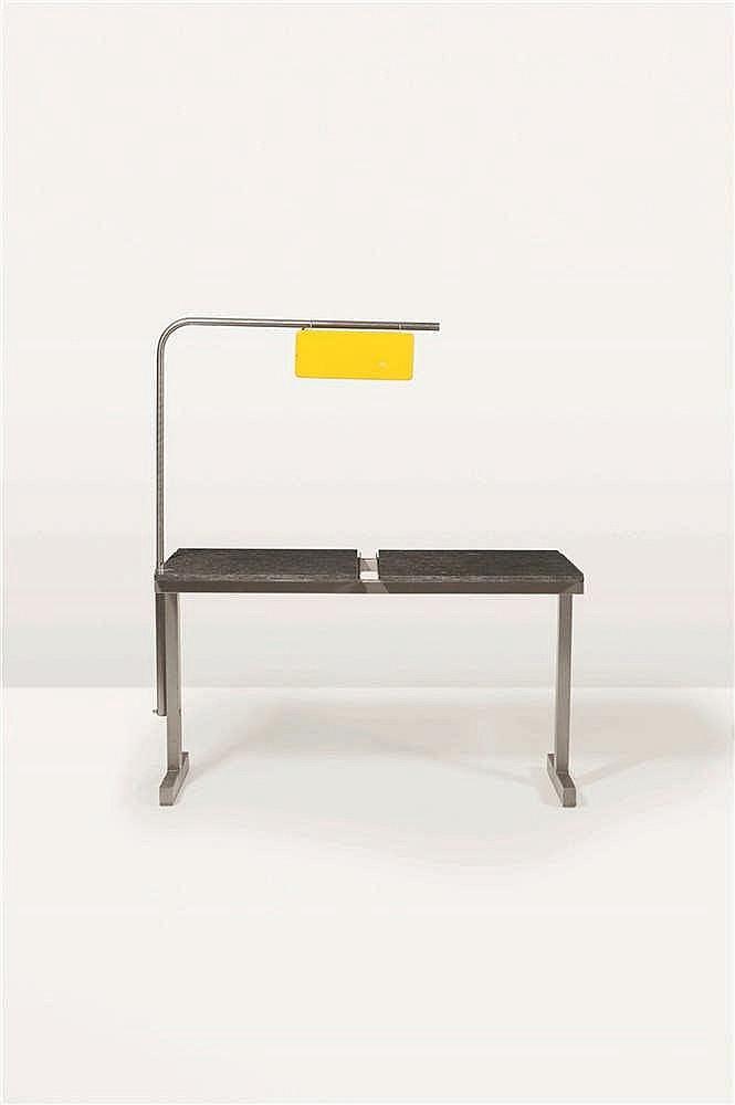 CHRISTOPHE GEVERS (1928-2007)  Double table et sa lampe d'appoint Pierre et