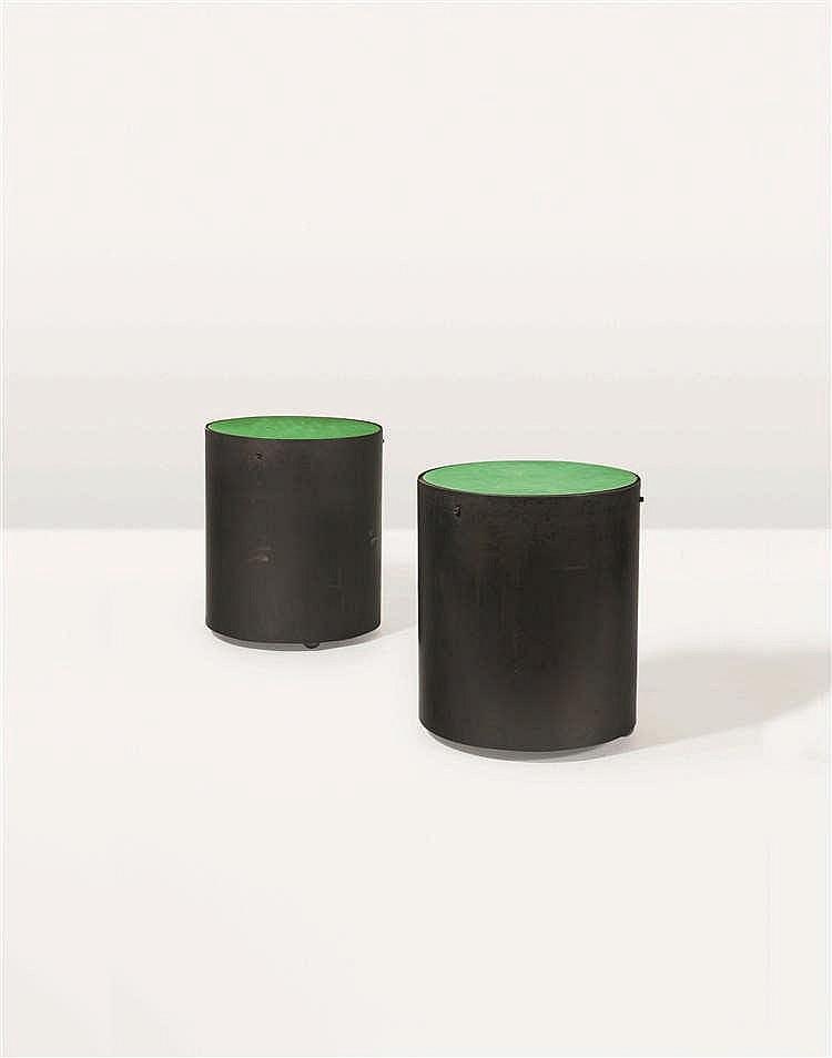 CHRISTOPHE GEVERS (1928-2007) Paire de tables basses cylindriques Tôle d'ac