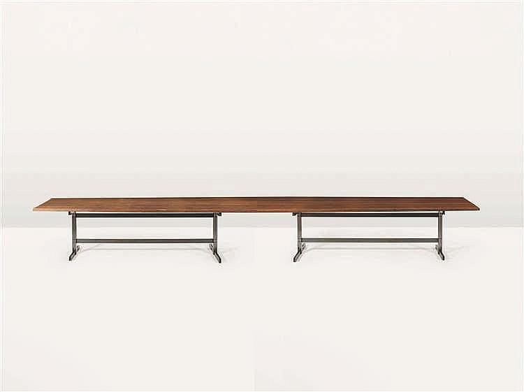 JULES WABBES (1919-1974) Suite deux tables formant longue table de forme to