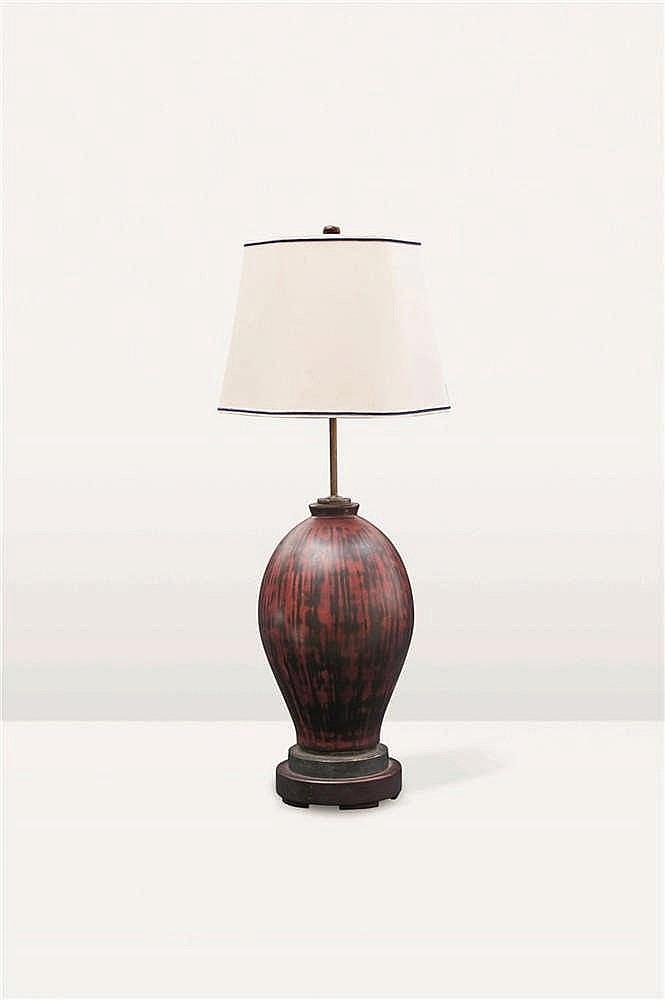 Marcel Wolfers (1886-1976) Lampe à poser Laque rouge/brun. Marque Marcel Wo