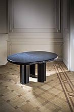 Christian Krekels (né en 1942) Table de salle à manger Bois gravé de moti