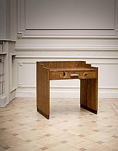 KAREL MAES (1900-1974) Bureau Marqueterie de bois exotique, Loupe maïdou,