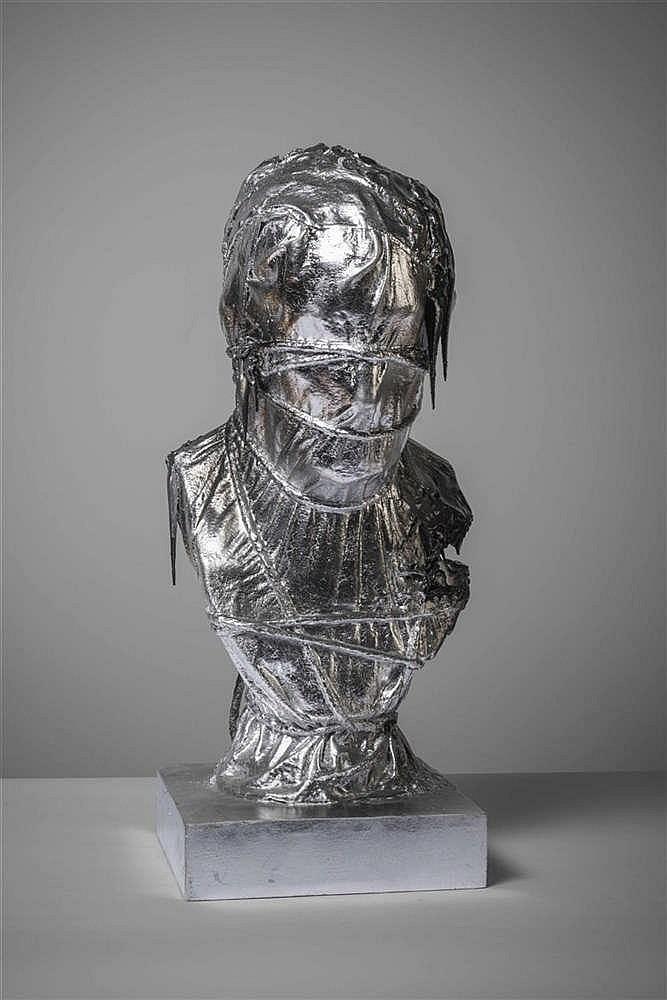 MICHAEL AERTS (né en 1979) Buste, 2011. Technique mixte. Bois, tex