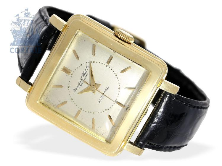 Wristwatch: big and square IWC automatic watch 'Carré Combré', 18 K gold, Schaffhausen from the 50s (NO LIVE FEE)