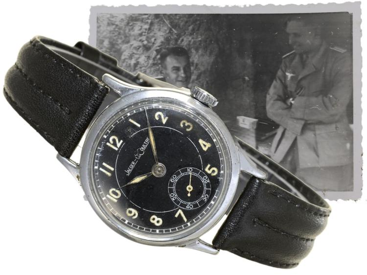 Wristwatch: military watch by Le Coultre, paratroopers watch, from the 40s (NO LIVE FEE)