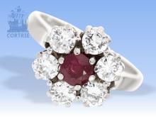Ring: feiner Rubin/Brillant-Blütenring, ca. 1,5ct