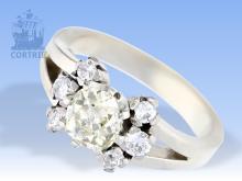 Ring: ungewöhnlicher vintage Diamantring in 14K PLATIN, großer Altschliff-Diamant von über 1ct