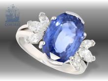 Ring: hochfeiner Saphir/Diamantring mit unbehandeltem Ceylon Saphir von ca. 5ct sowie feinem Diamantbesatz, aktuelles gemmologisches Gutachten