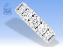 Ring: extrem hochwertiger, handgeschmiedeter Platinring mit 5 großen Brillanten von jeweils mindestens 0,5ct im obersten Qualitätsbereich, Goldschmiedepreis 36.000?