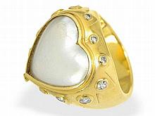 ring with pearl and diamonds