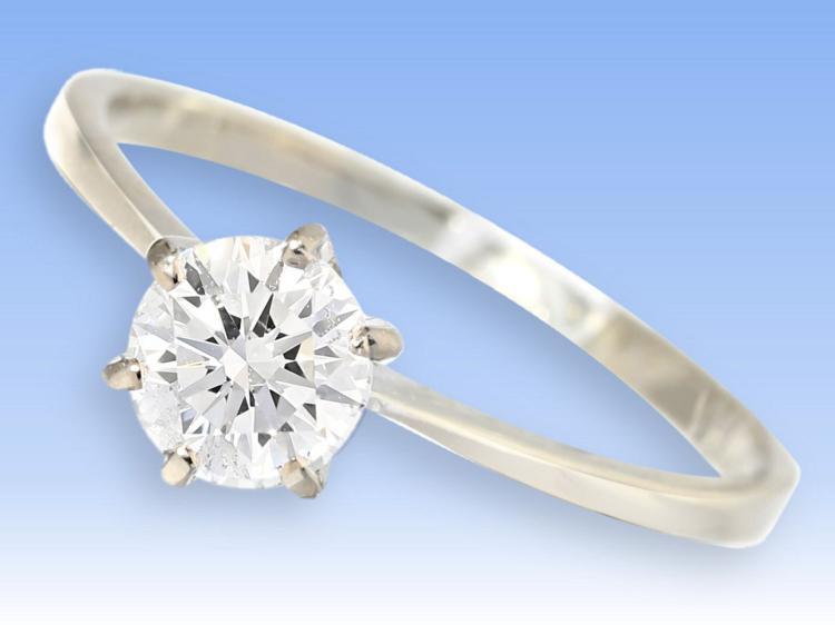 Ring: klassischer Brillant-Solitärring, 0,79ct