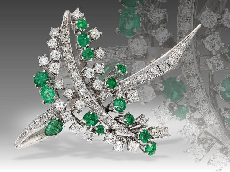 Unique vintage diamond and Emerald platinum brooch